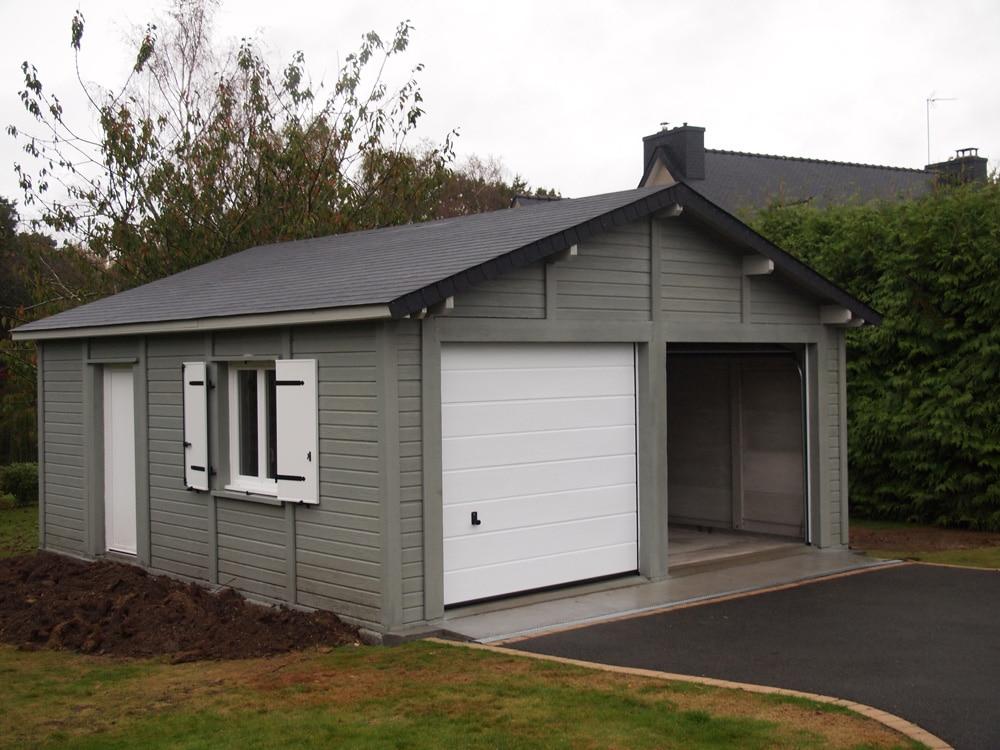 Garage béton aspect bois à 2 pentes